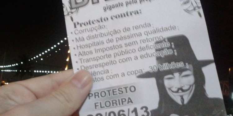 Pamphlet given in Florianópolis, Brazil, during the protests in June 18, 2013. (cropped) © Rachmaninoff | Wikimedia Commons