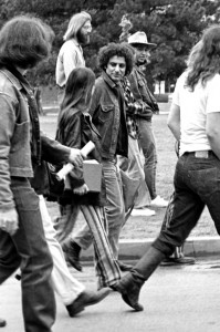 Abbie Hoffman (founding member of SDS) visiting the University of Oklahoma to protest the Vietnam War, circa 1969 © Richard O. Barry | Flickr