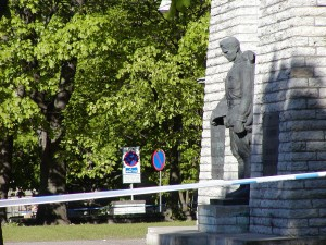 Bronze Soldier, controversial Soviet World War II monument in Tallinn, Estonia. Quarantined off in May 2006 to prevent conflicts between demonstrators on Victory in Europe Day. © Petri Krohn | Wikimedia Commons