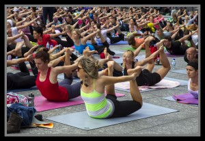 Yoga in King George Square, Brisbane © Sheba_Also   Flickr Creative Commons