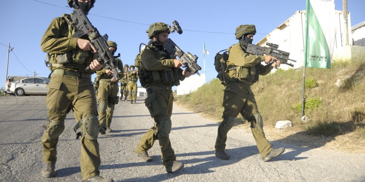 IDF soldiers patrolling during Operation Brother's Keeper, June 15, 2014 ©  Israel Defense Forces | Flickr