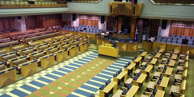 The chamber of the National Assembly of South Africa © Kaihsu Tai | Wikimedia Commons