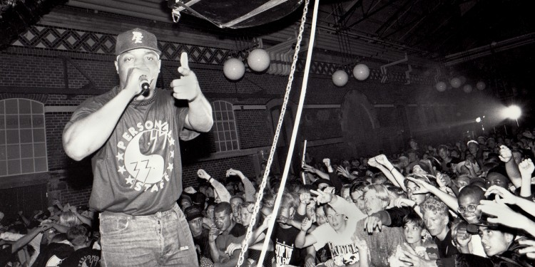 Chuck D performing in Malmo, Sweden,1991 © Jonn Leffmann | Wikimedia Commons