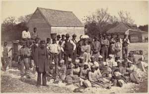 The slaves of General Thomas F. Drayton, 1862 © Henry P. Moore | Wikimedia Commons
