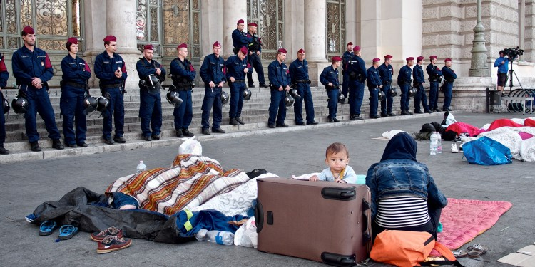 Hungary vs. Refugees © Michael Gubi | Flickr