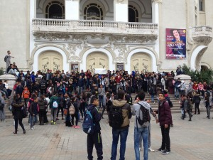 Lyceens demonstrating in front of the Municipal Theatre, Tunis, January 9, 2016 © Benoit Chaland | Courtesy of the author