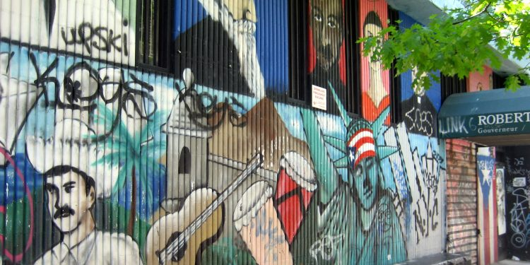 NYC - East Village: Roberto Clemente Center - mural © Wally Gobetz | Flickr