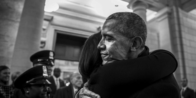 Former U.S. President Barack Obama hugs one of his presidential staff members before the departure ceremony during the 58th Presidential Inauguration in Washington, D.C., Jan. 20, 2017. More than 5,000 military members from across all branches of the armed forces of the United States, including reserve and National Guard components, provided ceremonial support and Defense Support of Civil Authorities during the inaugural period. (DoD photo by U.S. Air Force Staff Sgt. Marianique Santos) | Flickr