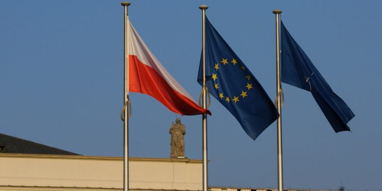 Poland and the European Union © alex.ch | Flickr