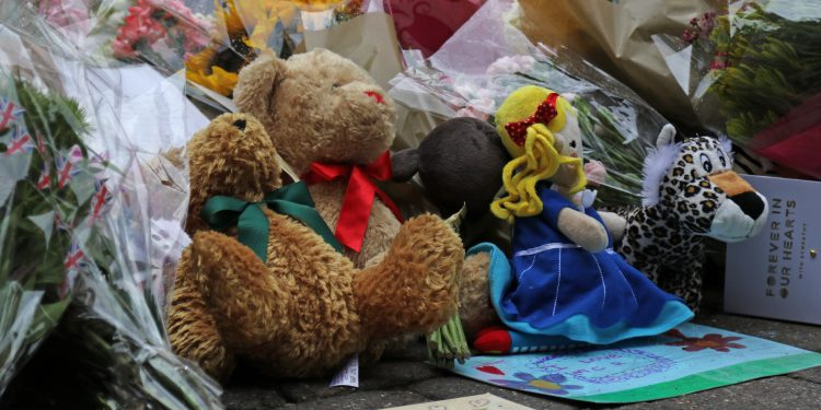 Tributes To the Manchester Bomb Victims © Transport Pixels | Flickr