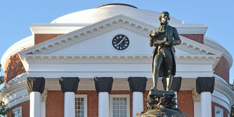 Statue of Jefferson at the University of Virginia © Dale Winling | Flickr