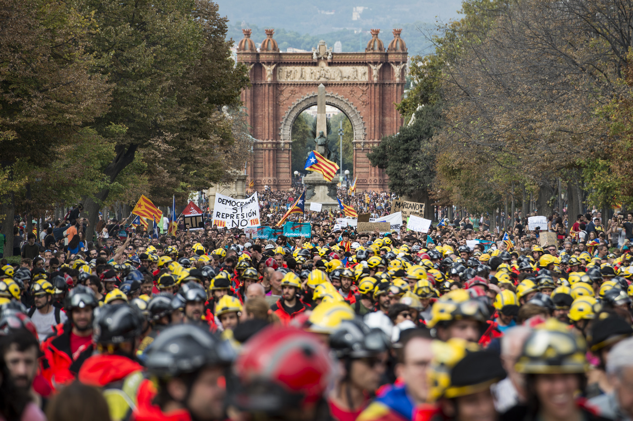 the challenge of the catalan independence movement in spain public
